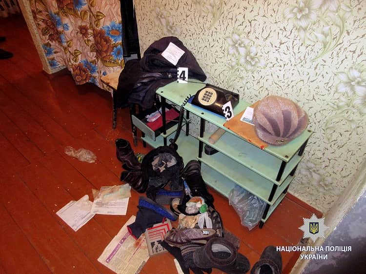 На Харьковщине полицейские задержали мужчину, который совершил разбойное нападение на пенсионерку