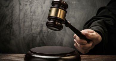 Адвокат отсудил у полиции 1000 долларов из-за штрафа в 170 грн.