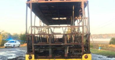 На Харьковщине сгорел пассажирский автобус
