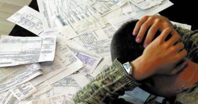 Долги за коммуналку можно отработать дворником или сантехником