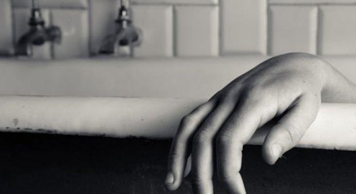 В Чугуеве в ванне утопилась женщина
