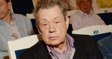 Умер Караченцов