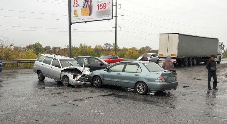 За сутки в Харьковской области произошло 64 ДТП, пострадали 8 человек