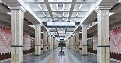 ЧП в метро: человек упал на рельсы