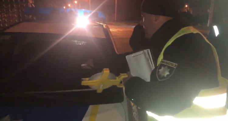 В Харькове полицейские на автомобиле сбили женщину