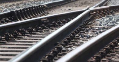 Под Харьковом поездом сбита пожилая женщина