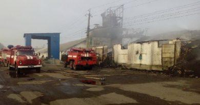 Под Харьковом горели зернохранилища