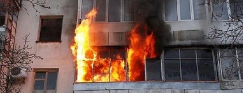 Ночной пожар в Изюме. Пострадал 27-летний мужчина