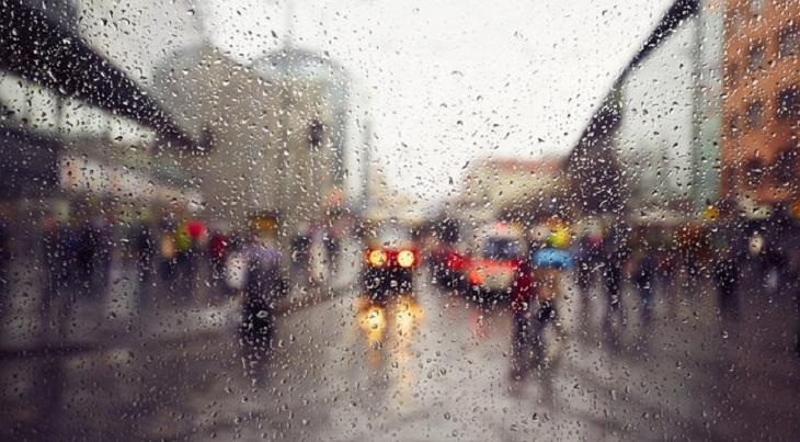 погода тепло дождливо