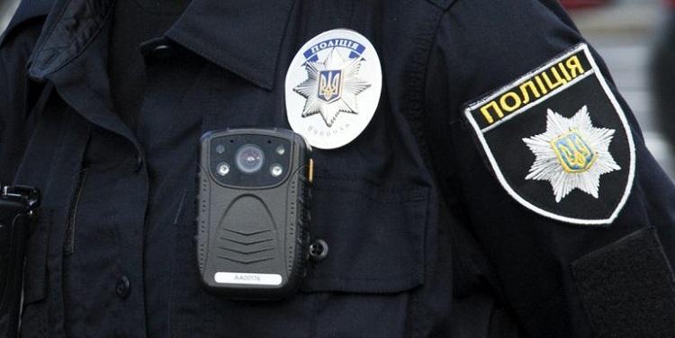 поліцейські розшукали неповнолітню дівчину