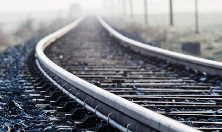 чоловік кинувся під потяг