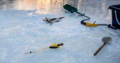 потонули двоє рибалок