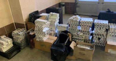 Співробітників українського посольства в Польщі спіймали на контрабанді