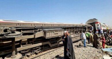 столкнулись два пассажирских поезда