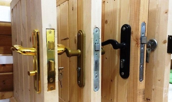 Врезные замки для деревянной двери