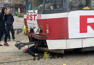 У Харкові трамвай збив пенсіонера
