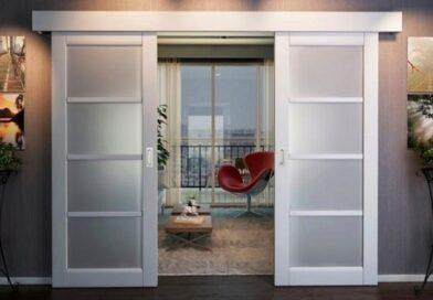 Межкомнатные двери: пластиковые или деревянные?